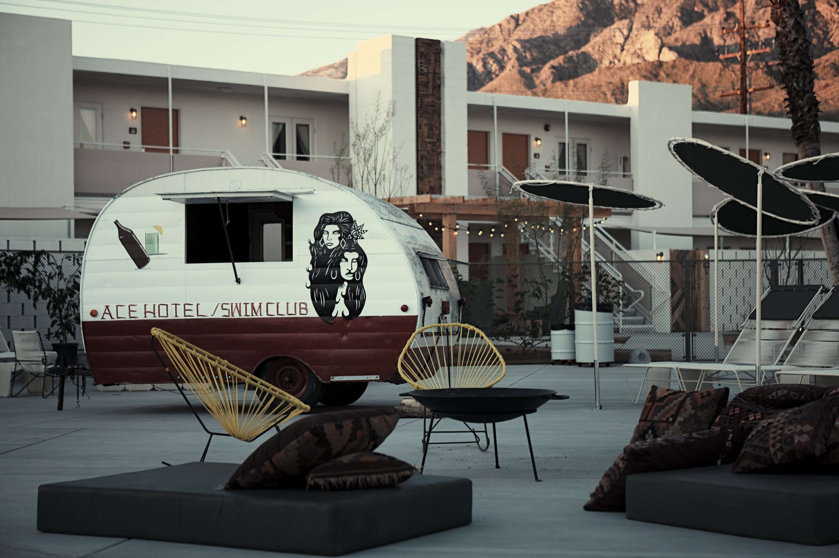 Ace hotel palm springs substance of style for Ace hotel decor